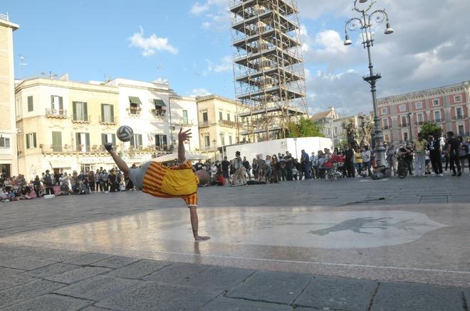 Città di Lecce il regolamento comunale per le espressioni artistiche in strada.