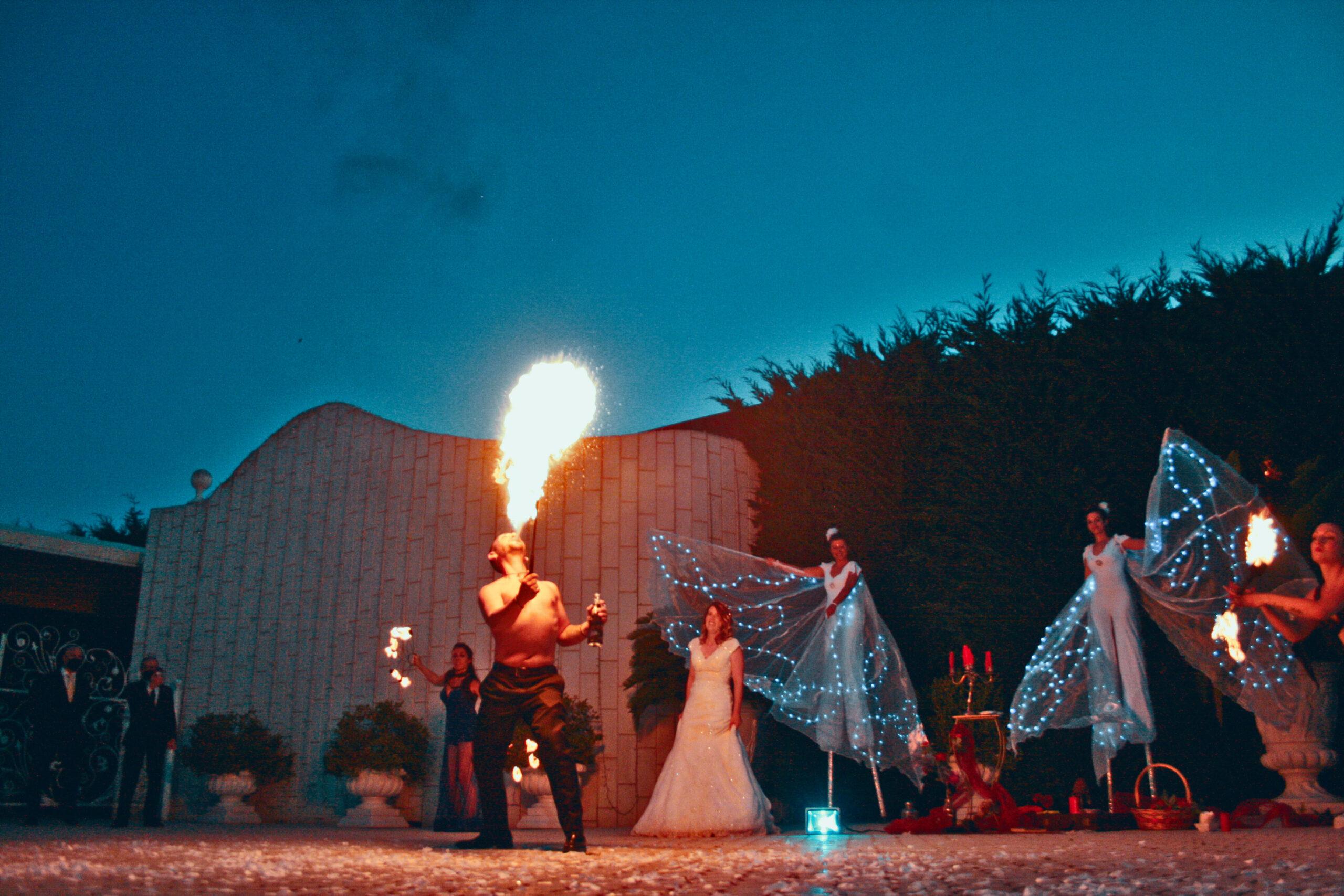 spettacoli di fuoco per il tuo matrimonio con gli artisti di strada